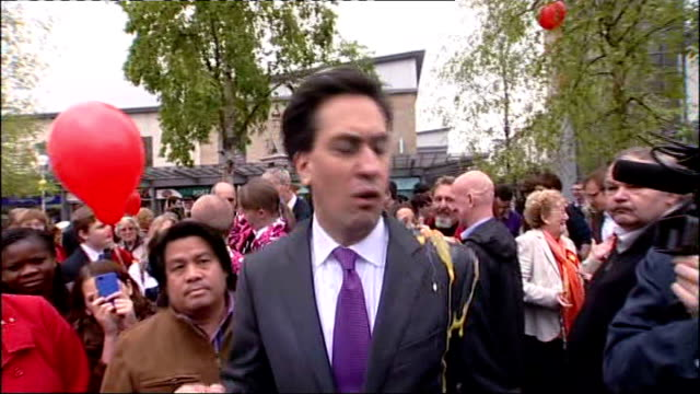 stockvideo's en b-roll-footage met politics / england and wales local elections 2012 labour make gains southampton ext ed miliband mp being interviewed as protester squashes an egg on... - southampton engeland