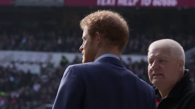 England attracts a crowd of 12000 to their open training session at Twickenham with Prince Harry among those present The Prince who is a patron of...