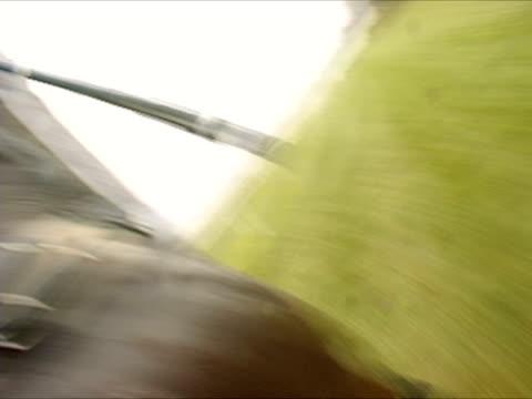 pov, england, newbury, jockey riding horse in horseracing  - galoppera bildbanksvideor och videomaterial från bakom kulisserna