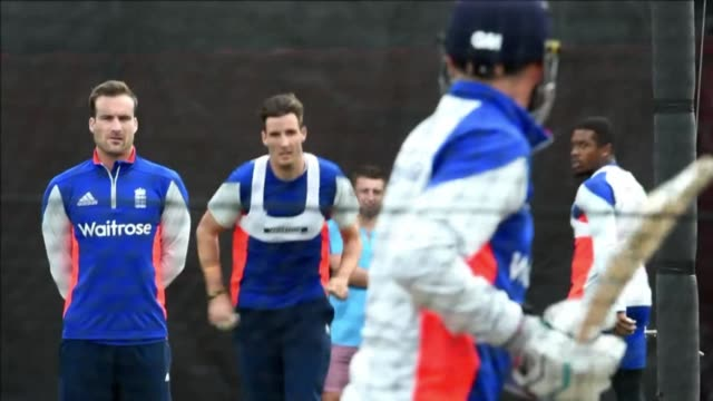england prepare for a cricket world cup clash against their border rival scotland after suffering a humiliating eight wicket defeat by new zealand... - paletto da cricket video stock e b–roll