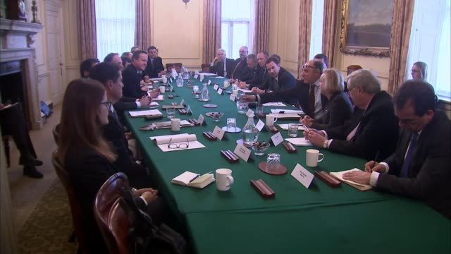 vídeos de stock e filmes b-roll de england report says mental health is inadequate and underfunded; david cameron mp sitting with ministers business leaders meeting to discuss mental... - prime minister