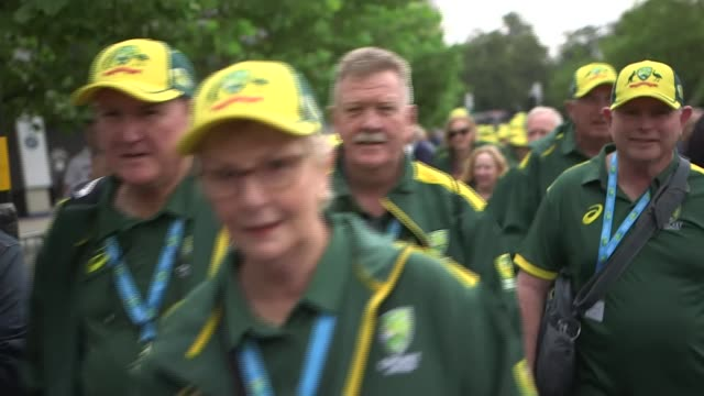 1st ashes test: australia fight back after shaky start; england: birmingham: edgbaston: ext busker singing 'i don't like cricket' sot australia fans... - shaky camera stock videos & royalty-free footage