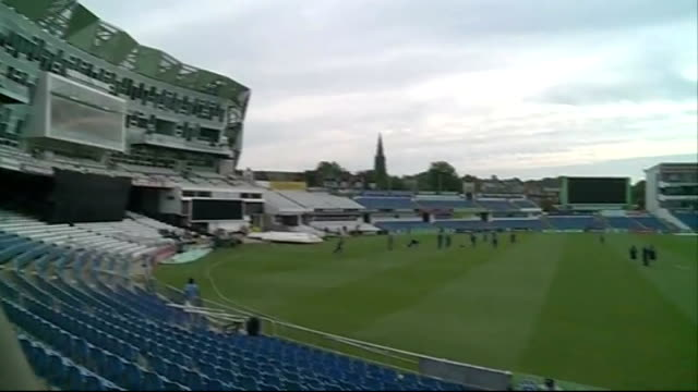 England train before first One Day International ENGLAND Yorkshire Leeds Headingley EXT Members of the England cricket team including Kevin Pietersen...