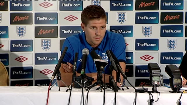 steven gerrard and bobby zamora press conference england hertfordshire photography** steven gerrard press conference sot on fabio capello the players... - chin stock videos and b-roll footage