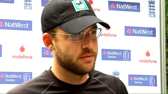 fifth one day international kevin pietersen and daniel vettori interviews ***some picture and sound break up through interview / camera operator... - number 5 stock videos & royalty-free footage