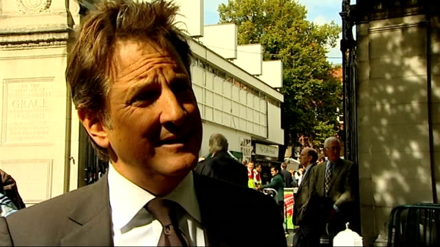 vídeos y material grabado en eventos de stock de fourth one day international / corruption allegations ext reporter speaking to mark nicholas mark nicholas interview sot it's inexplicable at a time... - número 4