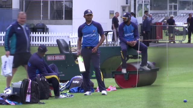 third test: graham ford press conference / training session; ext various of srik lanka cricket team practising in nets - squadra di cricket video stock e b–roll