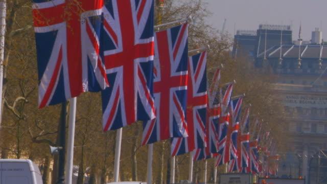 stockvideo's en b-roll-footage met englandbritish flag - britse cultuur