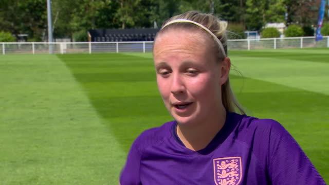 vidéos et rushes de england's beth mead praising the talent of international team mate lucy bronze - match sport