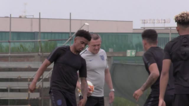 England's U21 side train in San Mauro Pascoli ahead of their tournament opener against France Includes shots of manager Aidy Boothroyd Aaron...