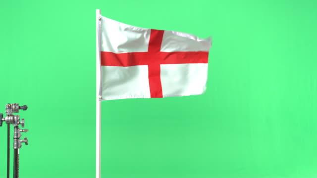 english flag on green screen - bandiera inglese video stock e b–roll