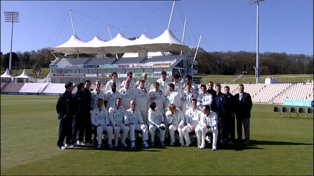 the rose bowl hampshire players posing for squad photograph in whites - southampton hampshire stock-videos und b-roll-filmmaterial
