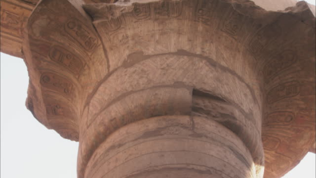 engravings cover a pillar at ancient ruins in karnak, egypt. - temples of karnak stock videos and b-roll footage