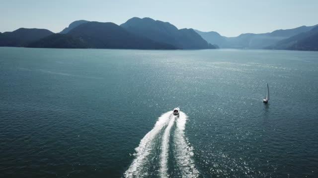 enjoy a luxury cruise - motoscafo da competizione video stock e b–roll