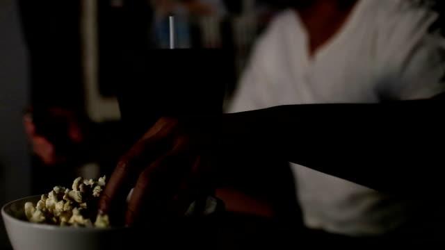 お食事をお楽しみください。 - ラジコン点の映像素材/bロール