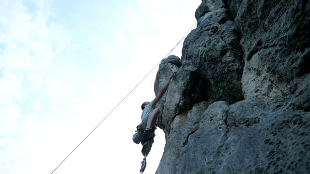 enjoying in free climbing - amputee stock videos & royalty-free footage