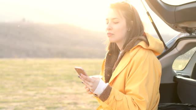 vidéos et rushes de profiter de la pause voyage sur la route - activités de week end