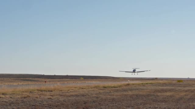 enlisted pilot initial class students soloed da20 katanas for the first time in pueblo colorado the training is part of the air force's initiative to... - pueblo colorado stock videos & royalty-free footage