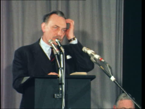 "enoch powell at the poetry international festival; england: london: institute of contemporary arts: lms: enoch powell sof: ""ladies + gentlemen i've... - クィンティン・ホッグ点の映像素材/bロール"