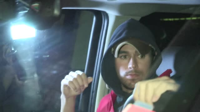 enrique iglesias leaving fogo de chao in beverly hills 03/01/12 - singer stock videos & royalty-free footage