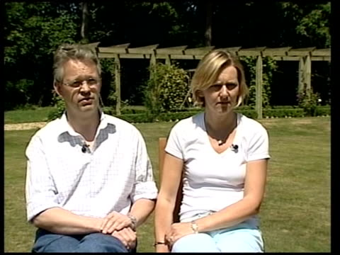 vídeos y material grabado en eventos de stock de david and emma bermingham interview england oxfordshire goring ext david bermingham and wife emma bermingham interview sot commenting on death of a... - oxfordshire