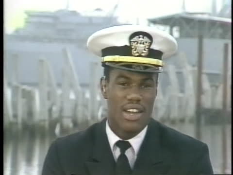 ensign and basketball star david robinson discusses his work on a submarine base with the us navy - sport stock-videos und b-roll-filmmaterial