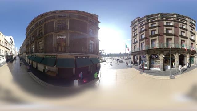 vídeos de stock e filmes b-roll de entering the majestic mexico city zocalo from madero street in 360 vr - panorama equiretangular