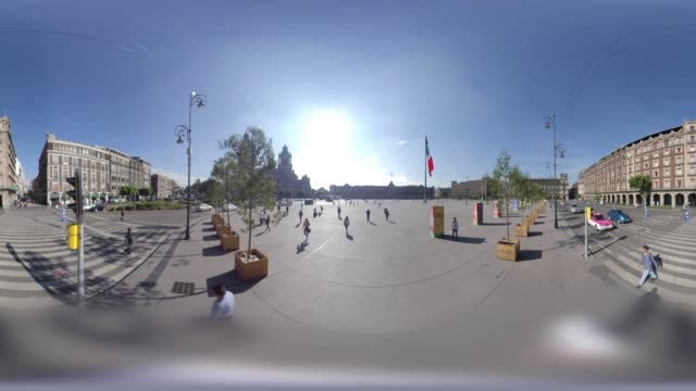 entering the majestic mexico city zocalo from madero street in 360 vr - torre latinoamericana stock videos & royalty-free footage