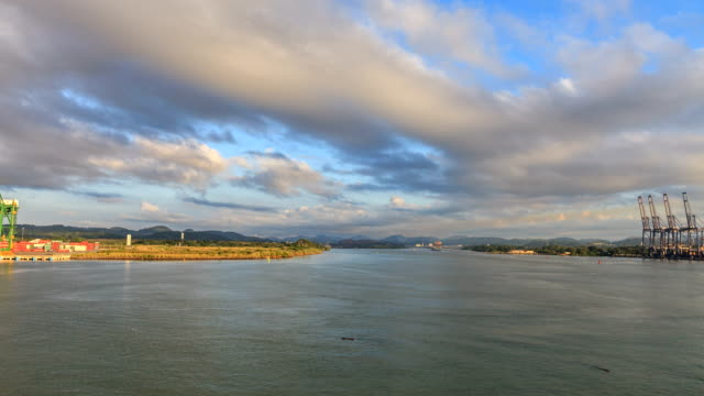 entering the panama canal - panama canal stock videos & royalty-free footage