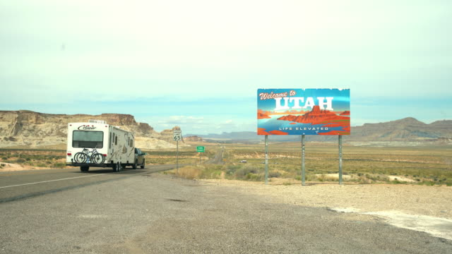 ws entering the utah state - camper video stock e b–roll