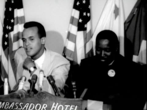 stockvideo's en b-roll-footage met entertainer harry belafonte speaking at pre march on washington press conference ambassador hotel reverend dawson negro american labor council in tow... - mid volwassen mannen