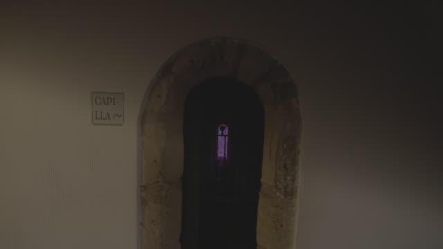 entrada capilla antigua - entrada stock videos and b-roll footage