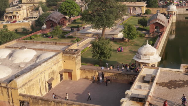 entrance garden to the amer fort, jaipur - formal garden stock videos & royalty-free footage