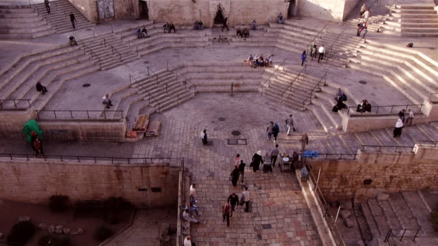 entrance of damaskus gate to jerusalem old city - spoonfilm stock-videos und b-roll-filmmaterial