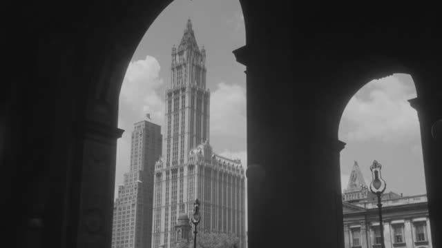 ms entrance of municipal building and woolworth tower - woolworth building stock videos & royalty-free footage