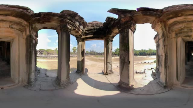 360 vr / entrance to angkor wat temple - old ruin stock videos & royalty-free footage