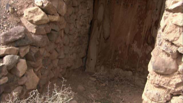 vídeos y material grabado en eventos de stock de ms tu entrance to stone hut, iran - arquitrabe
