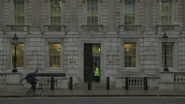 entrance to the uk cabinet office, whitehall - politics stock videos & royalty-free footage