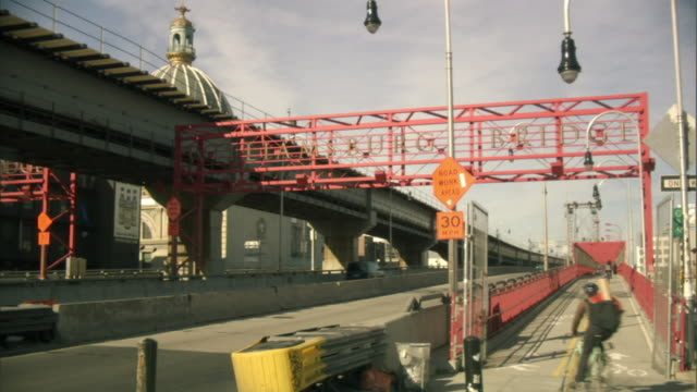 ms, entrance to williamsburg bridge, new york city, new york, usa - williamsburg bridge stock videos & royalty-free footage