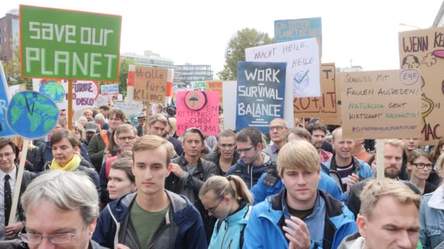 entrepreneurs for future in front of the ministry of finance at the fridays for future movement protest during a nationwide climate change action day... - climate finance stock videos & royalty-free footage