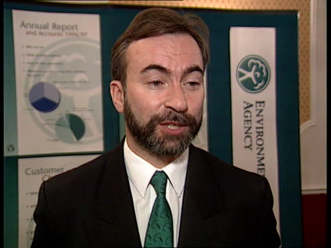 environment agency accused of being too soft on water polluters; itn england: london: int archie robertson interview sot - 2000 incidents of water... - 年次総会点の映像素材/bロール