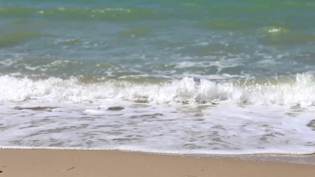 vídeos de stock e filmes b-roll de hd: poluição ambiental - poluição do plástico