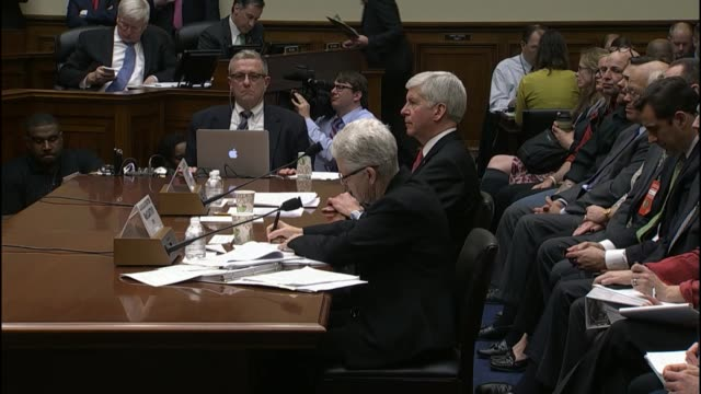 stockvideo's en b-roll-footage met environmental protection agency administrator gina mccarthy tells a house panel that she wished her agency had been more aggressive that they could... - mileubeschermingorganisatie