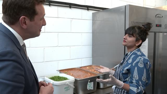environmentallyfriendly takeaway food company in east london england london hackney int various of vegan food being prepared and put into reusable... - sustainability stock videos & royalty-free footage