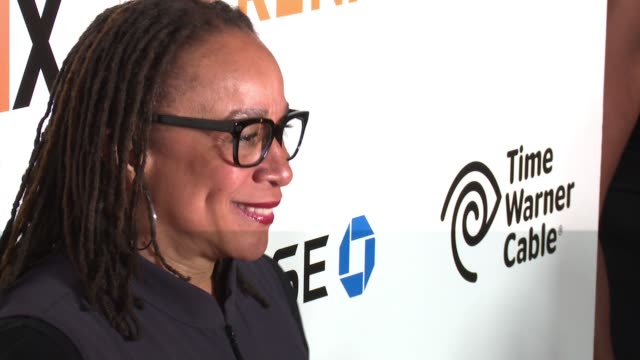 "epatha merkerson at the premiere of epix original documentary ""serena"" - arrivals at sva theater on june 13, 2016 in new york city. - ドキュメンタリー映画点の映像素材/bロール"