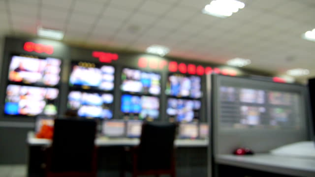 stockvideo's en b-roll-footage met tv equipment control room. - regelkamer