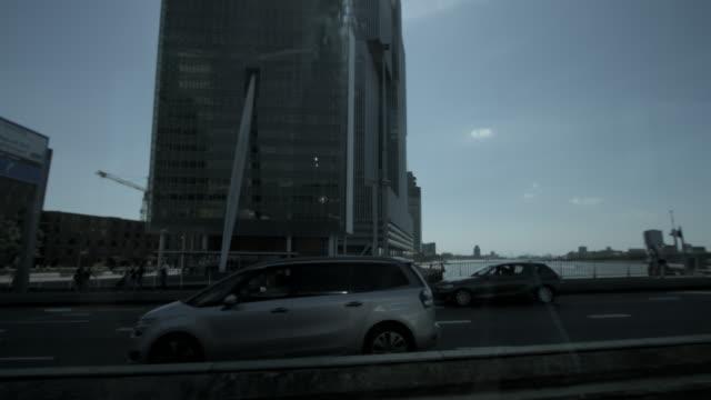 erasmus brug over maas river, rotterdam, the netherlands - skyline bildbanksvideor och videomaterial från bakom kulisserna