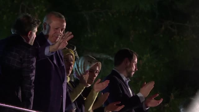 stockvideo's en b-roll-footage met erdogan addresses a crowd of supporters shortly after claiming victory in his 12th and arguably biggest ballot-box challenge since his ruling justice... - assertiviteit