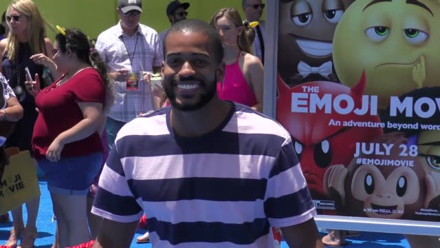vidéos et rushes de eric bigger at the premiere of columbia pictures and sony pictures animation's 'the emoji movie' arrivals on july 23 2017 in westwood california - eric