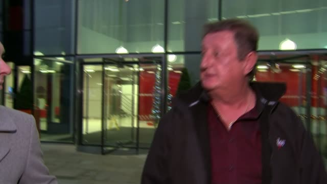 eric bristow 'the crafty cockney' dies aged 60 tx former darts player eric bristow talking to press outside building - dart stock videos & royalty-free footage